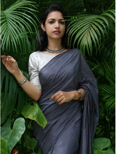 Grey Saree With Geometric Buta